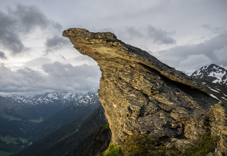 Überhängender Gipfelfelsen auf der Wattenspitze