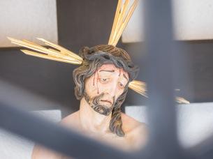 Ausdrucksstarker Christus im Bildstock am Volderwildbadweg, der von den Jungbauern Großvolderberg 2017 neu errichtet wurde.