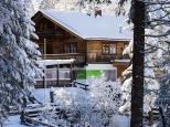 Die im Winter einsame Voldertalhütte