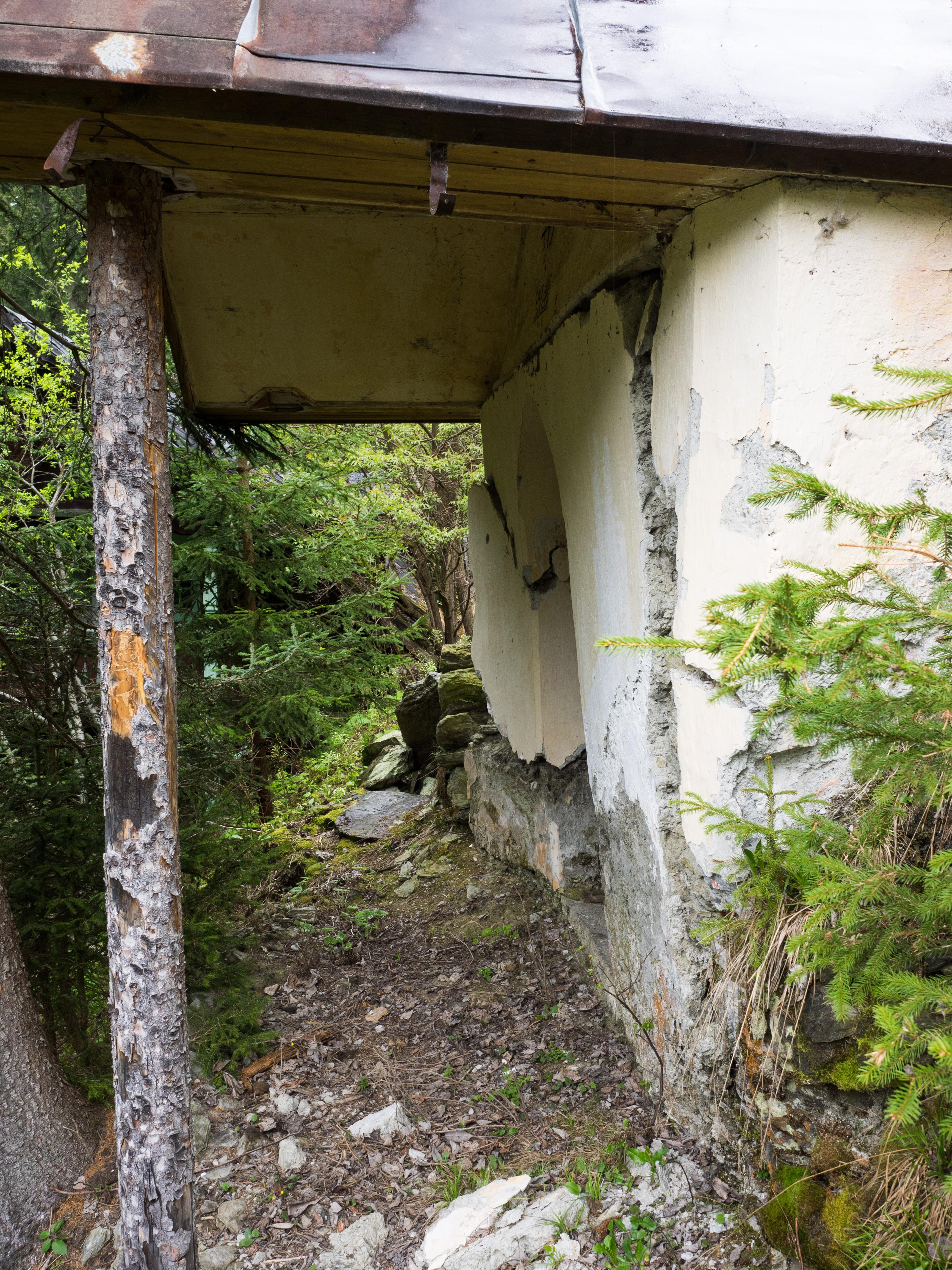 Einsturzgefährdete Kapelle bei der Mayrhütte