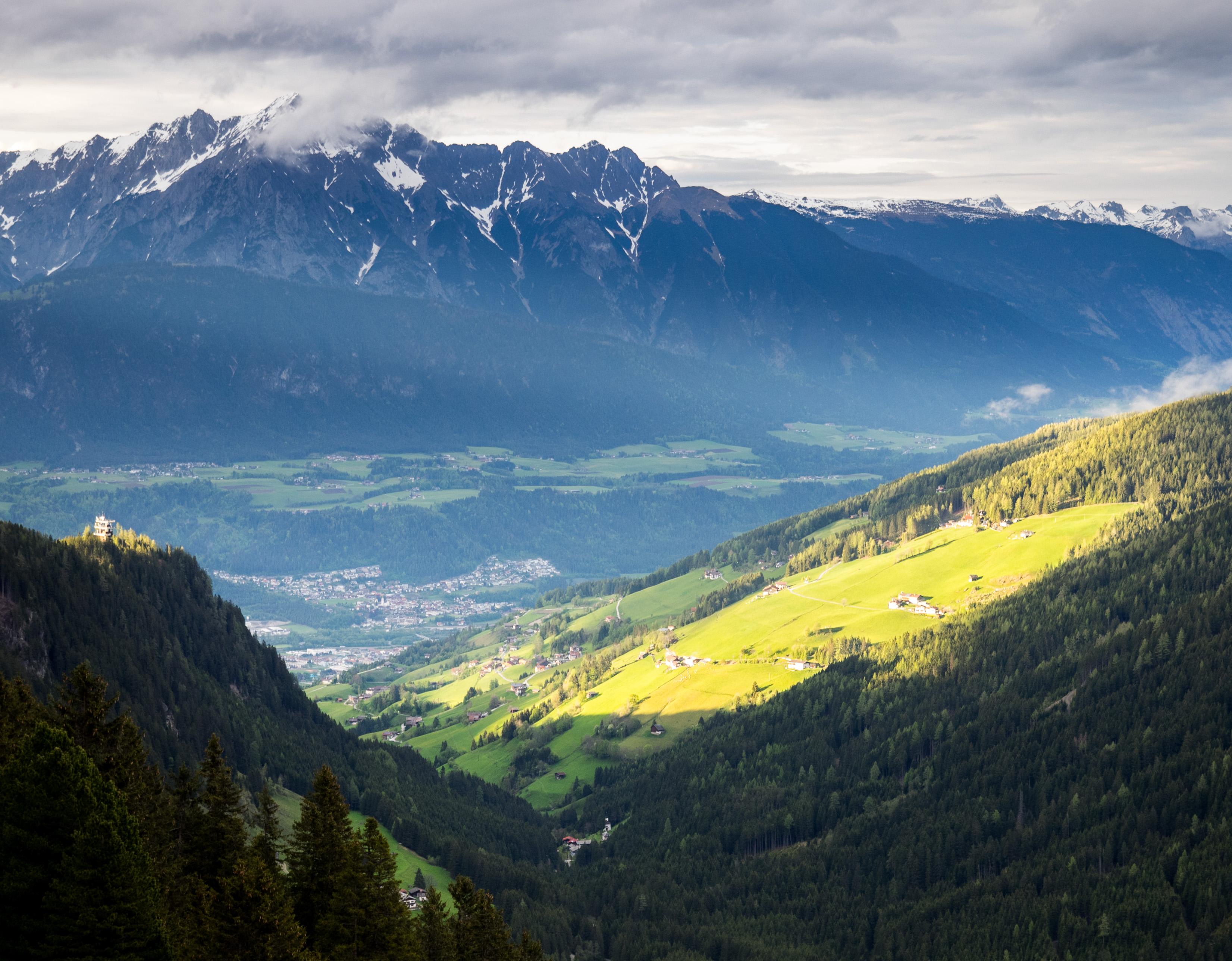 Blick von der Stalsinsalm hinaus zum Großvolderberg
