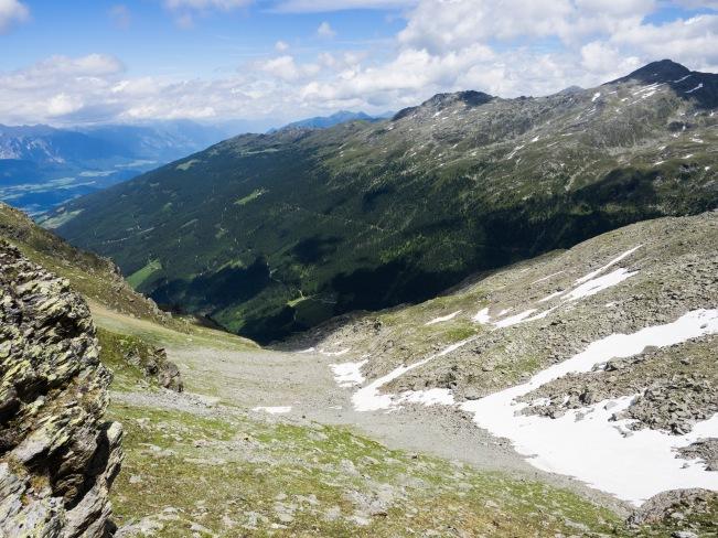 Blick durch das Mitterkar zur östlichen Voldertalseite mit Haneburger und Malgrübler